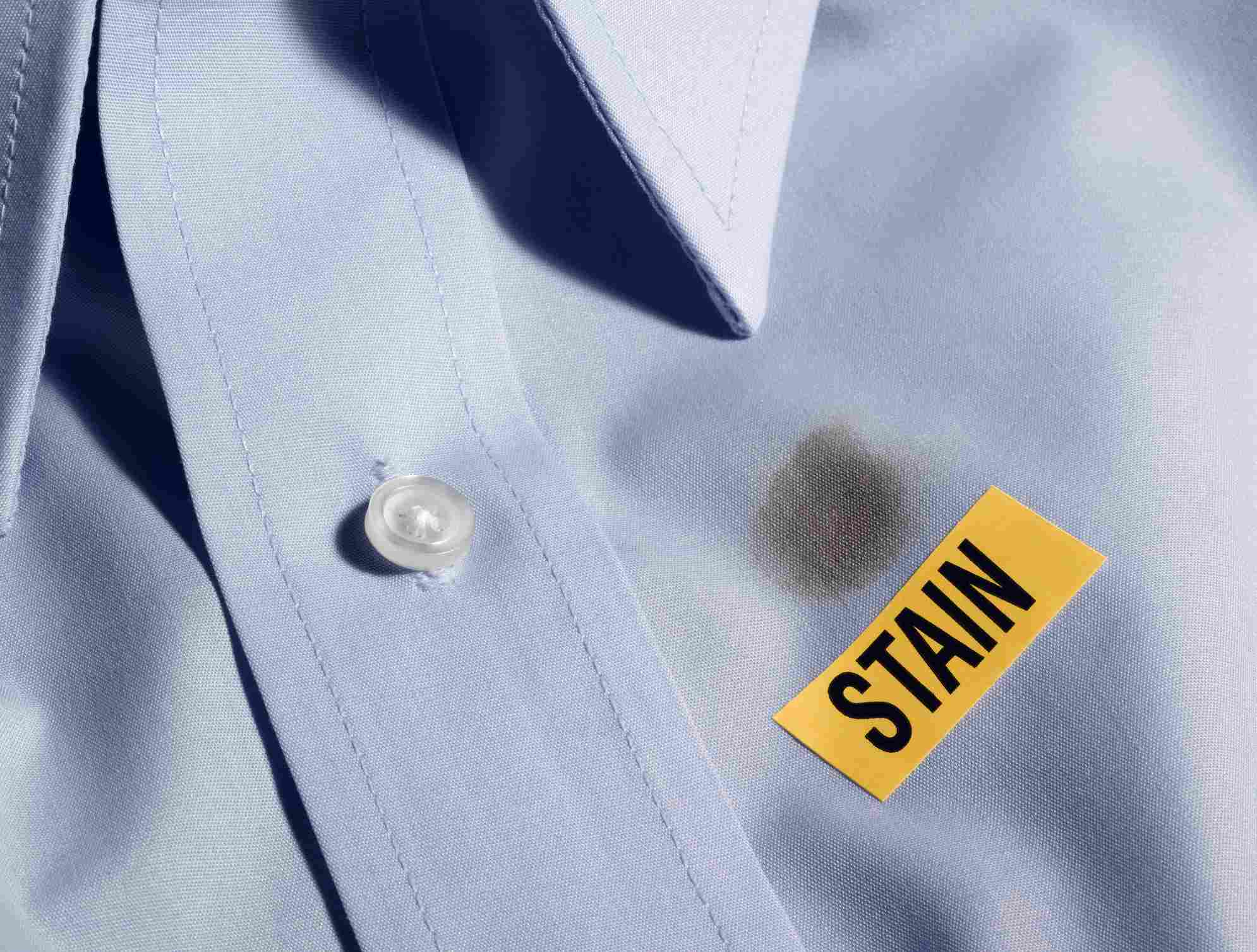 How to remove mildew stains from clothes