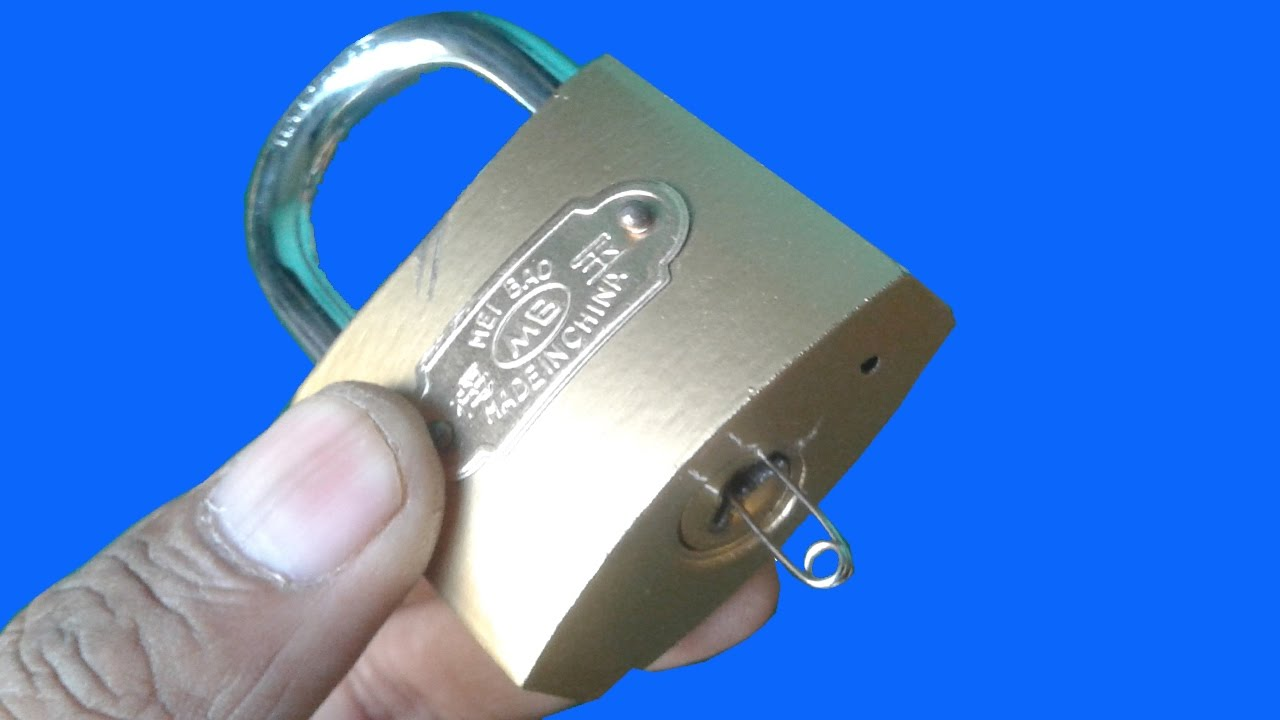 open a padlock with clip