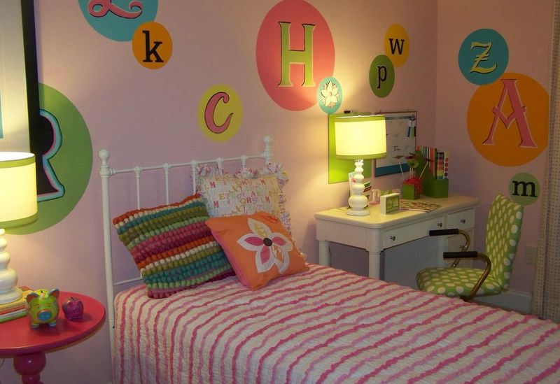 decorate child room with letters
